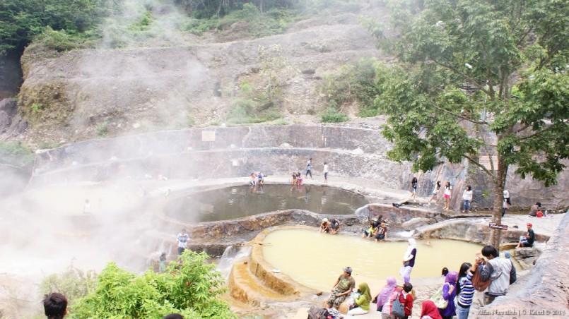 Air panas yang sudah dibangun dan tertata.